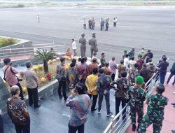 Karena Cuaca, Pesawat Menhan Batal Mendarat di Bandara Toraja